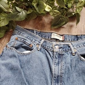 Levi's Mom Jeans 550 Relaxed Fit Medium Blue